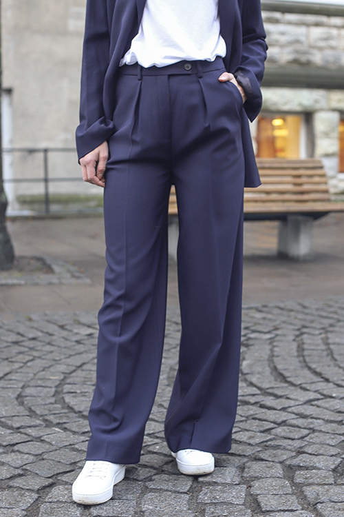 Enil Trousers Night Blue